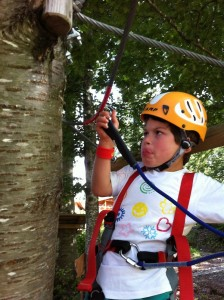 Cesare si arrampica sugli alberi